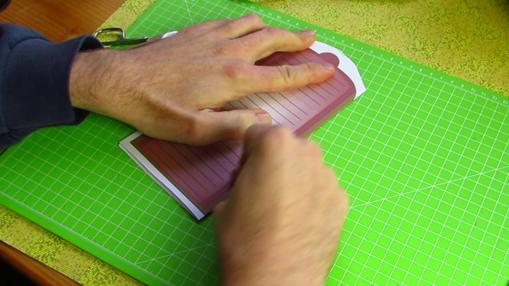 Hard fold - Paper Brain