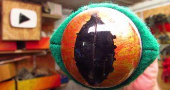Eyestalk Trophy close-up